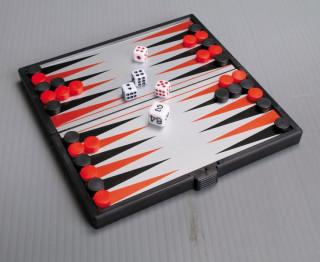 Összehajth. mágn. backgammon, mûanyag, 13x13,5x1,1cm - 1720 Ajándéktárgyak