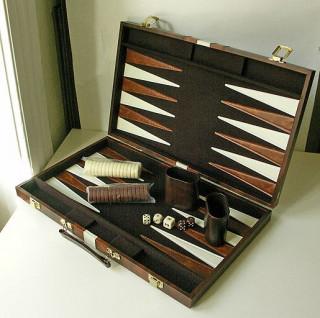 Backgammon - barna mûbõr koffer (38cm) 604163 Ajándéktárgyak