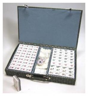 Mahjong mükövel, zöld selyemdobozban 720400 Ajándéktárgyak